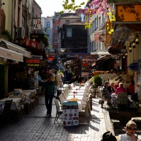 After a long time on the bus, I decided to take a walk around the streets of Sultanahmet, with myriad shops and cafes. It was very cozy and beautiful – this is Europe, after all!